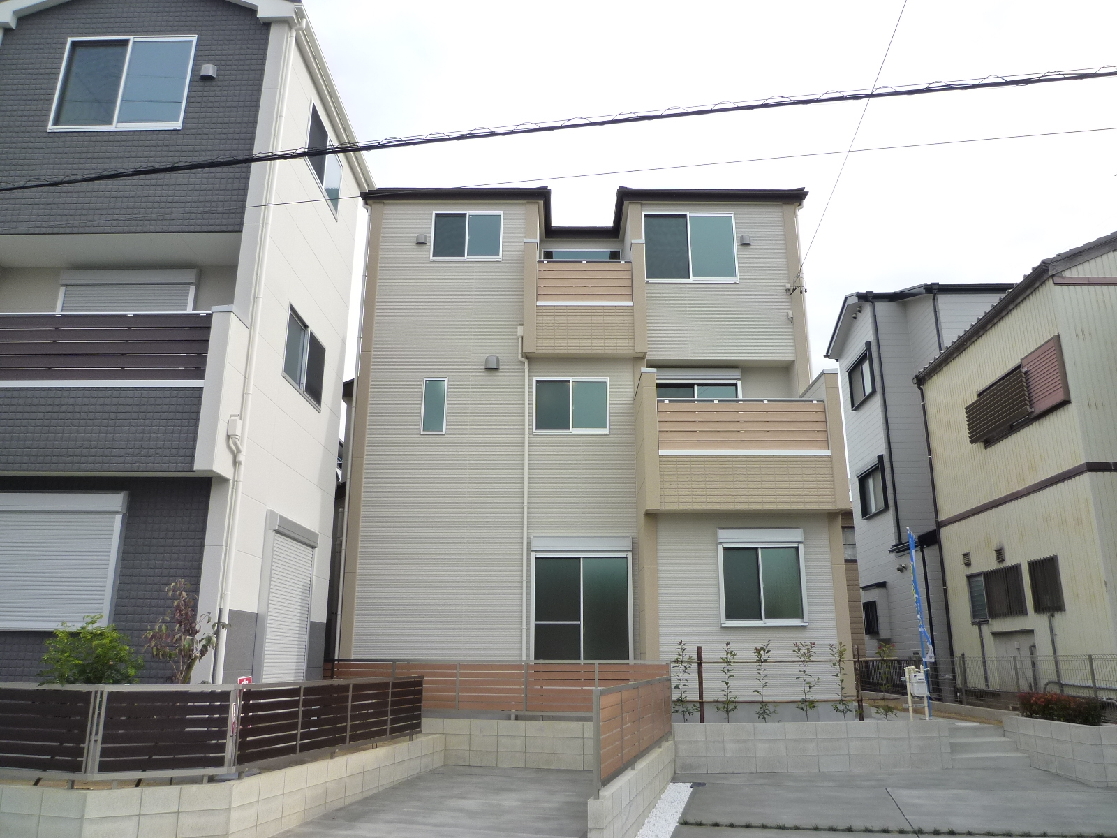 南入り 4LDK 木造3階建 30.68坪