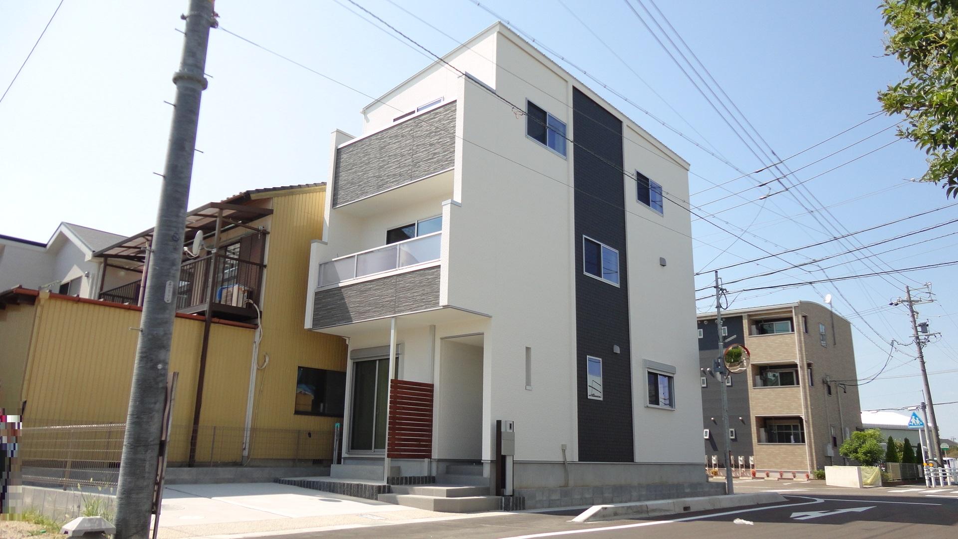 東入 4LDK 木造3階建て 34.25坪 間口16818mm